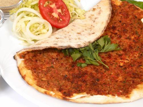 Türkische Pizza (Lahmacun) in 30 Minuten für 8 Portionen